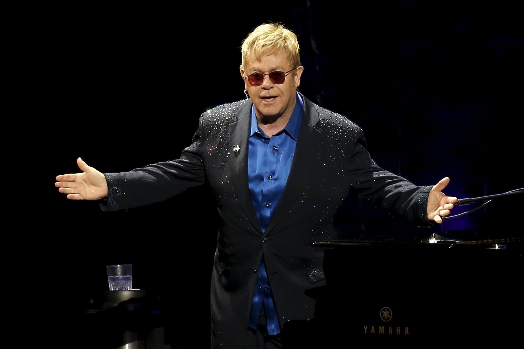 Elton John canceló un concierto a último momento por una infección en el oído