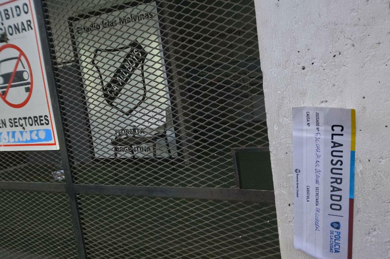 Tras los graves incidentes y la violencia contra la policía allanaron y clausuraron el estadio de All Boys