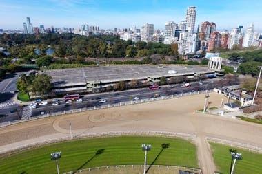 Estacionamiento del Hipódromo de Palermo en Dorrego y Libertador