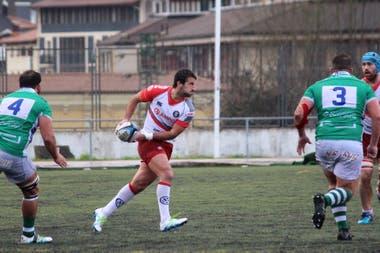 Valentín Cruz, argentino de Ordizia, en un partido contra Independiente.