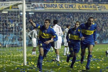 """Gol de Battaglia, el jugador más veces campeón en Boca, en el templo xeneize: """"La Bombonera es única. Es uno de los estadios más emblemáticos del mundo, por su gente"""", destaca el ex volante central."""