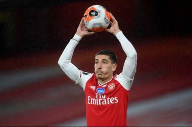 Héctor Bellerín tiene 25 años, juega en Arsenal y es vegetarino y ecologista