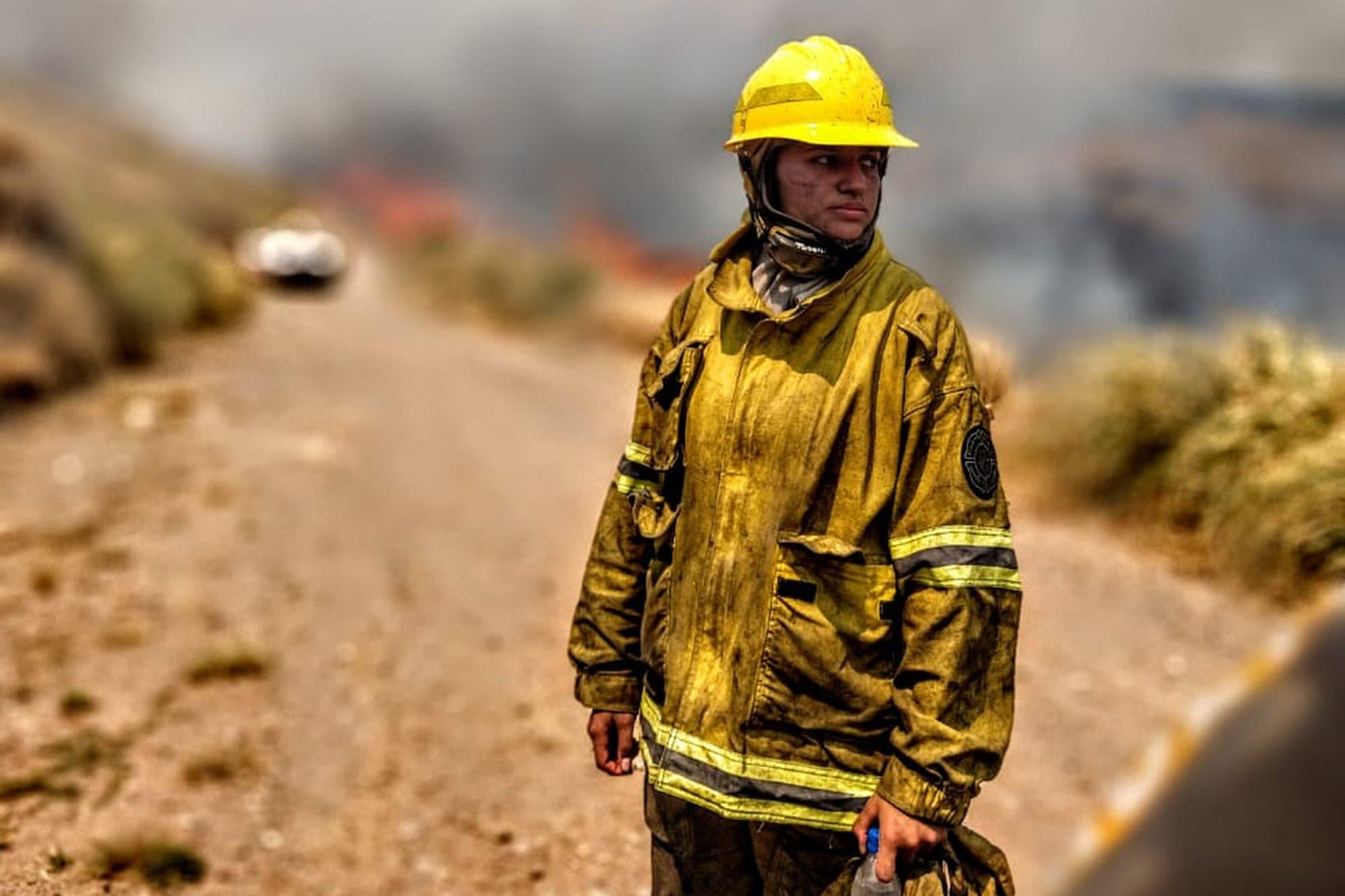 Bombera: pelea contra el fuego y se abre un camino propio como productora