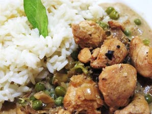 Pollo thai con arroz blanco