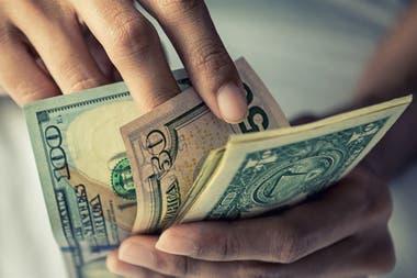 El dólar atraviesa jornadas de alta volatilidad en un contexto de incertidumbre política