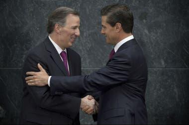 Meade, el candidato oficialista, junto a Peña Nieto