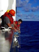 Los investigadores usaron sondas para tomar muestras del agua