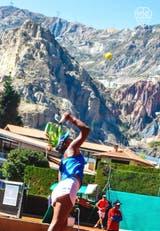 Una postal en lo más alto: así se juega al tenis en La Paz