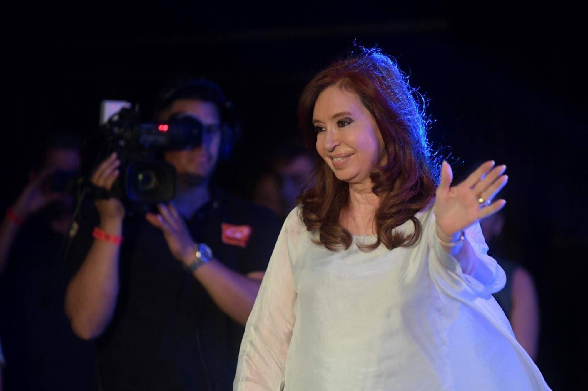 El Diego, al Lobo: Cristina Kirchner opinó sobre el desembarco de Maradona