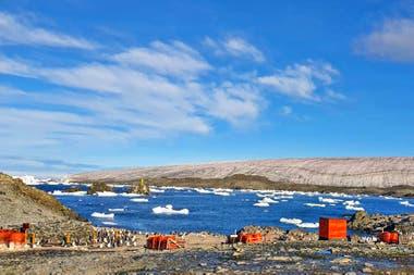 Una vista de la Base Esperanza, la semana pasada, en el día más cálido registrado hasta este nuevo récord