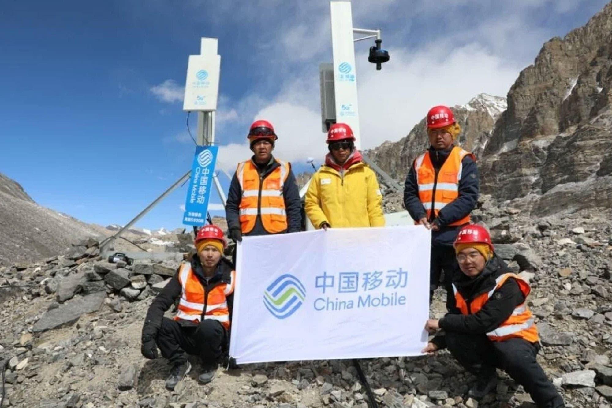 Everest con 5G: China Mobile y Huawei instalan antenas en la montaña más alta del mundo