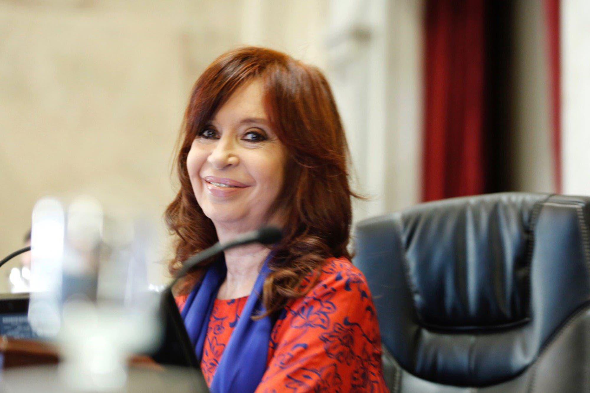 Cristina Kirchner va por la revancha: el Senado investigará el endeudamiento y la gestión judicial de Mauricio Macri