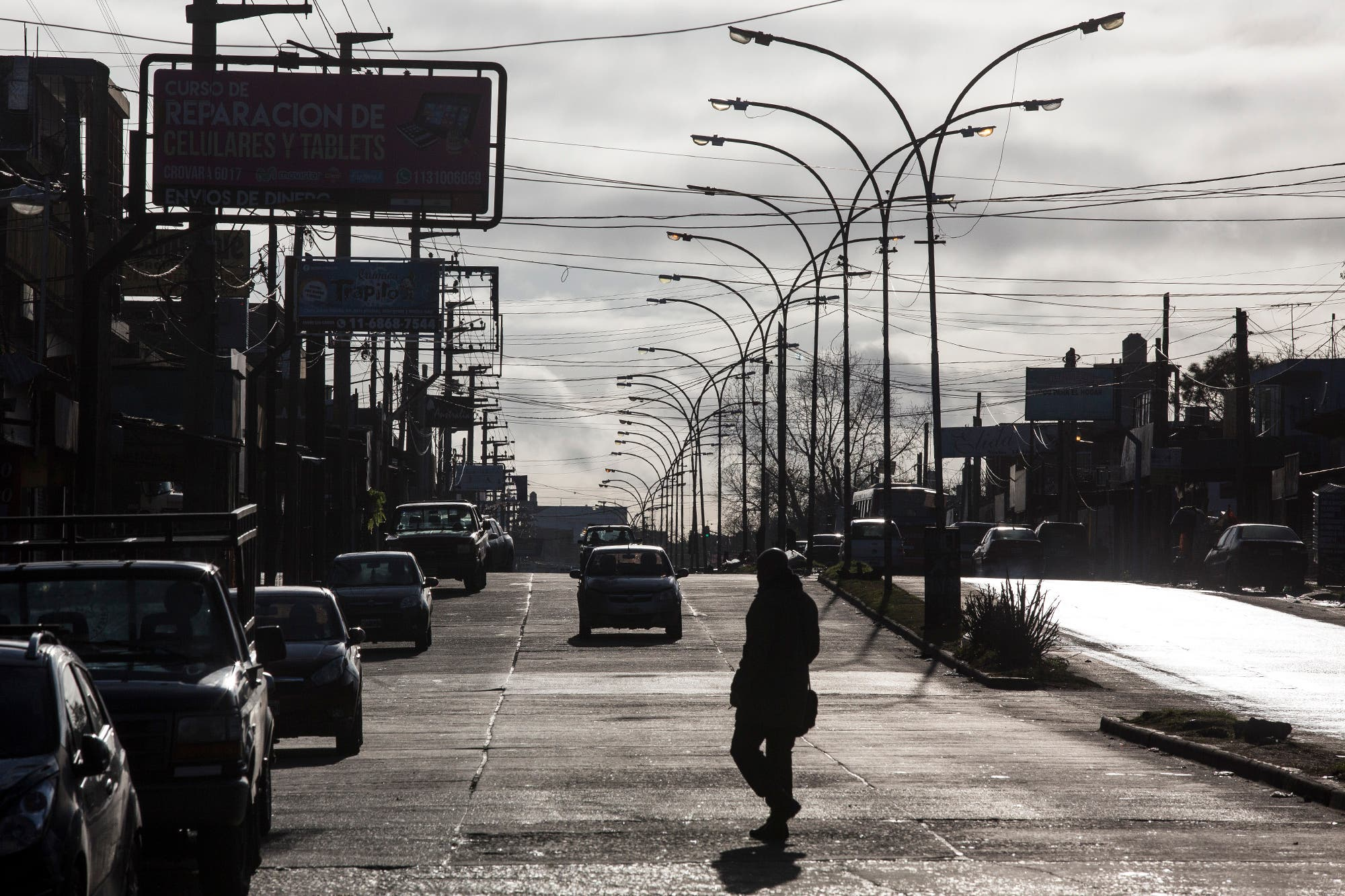 Menos movimiento y comerciantes que buscan la vuelta para abrir, el nuevo panorama en el conurbano oeste