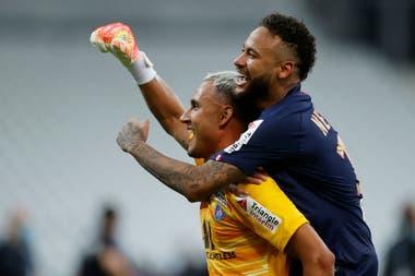 Keylor Navas y Neymar, dos de los pilares del PSG campeón