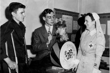 Wynne y Smoky visitaban, en sus tiempos libres o de licencia, hospitales de campaña para alegrar y distraer a los soldados convalecientes