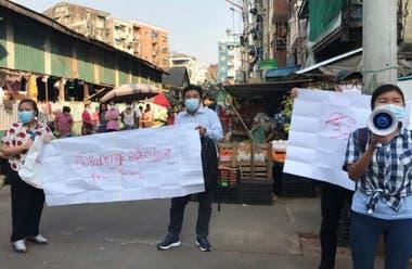 Protestas en Myanmar ante la medida de bloqueo por parte de los militares