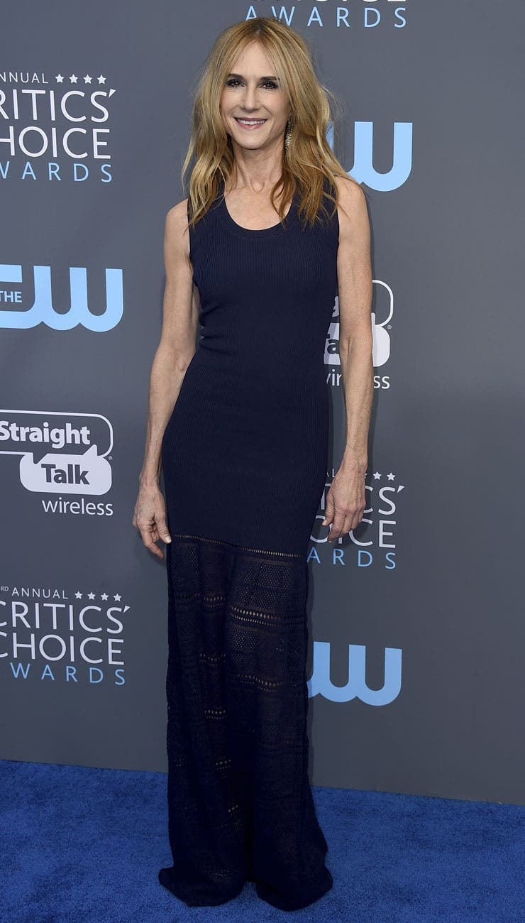 Holly Hunter, muy simple y elegante de azul