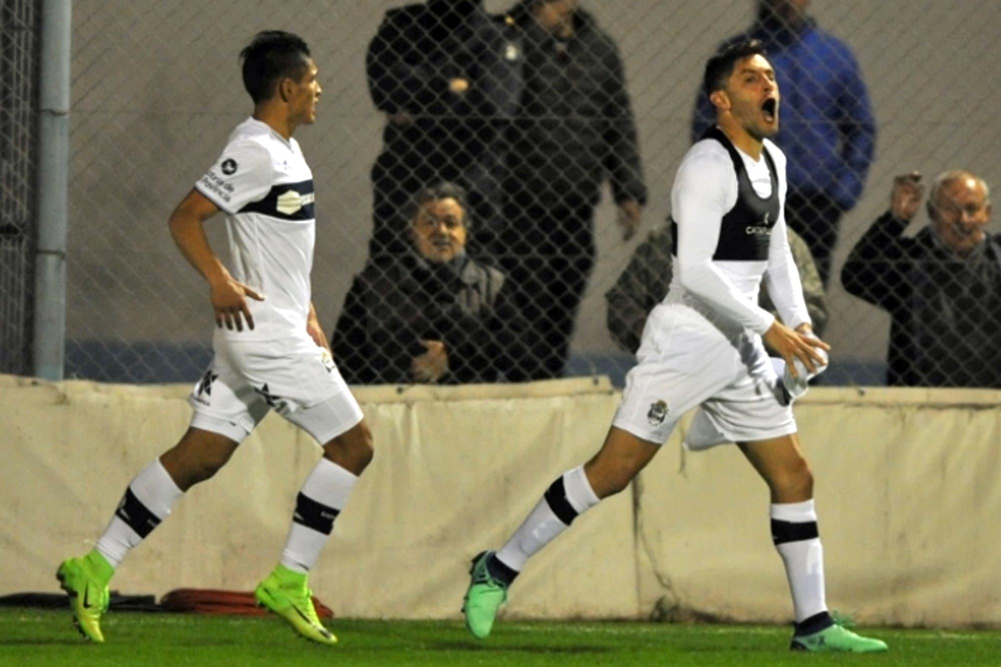 Copa Argentina: el zurdazo de Licht y la sorpresa de Brown de Adrogué, postales del sábado