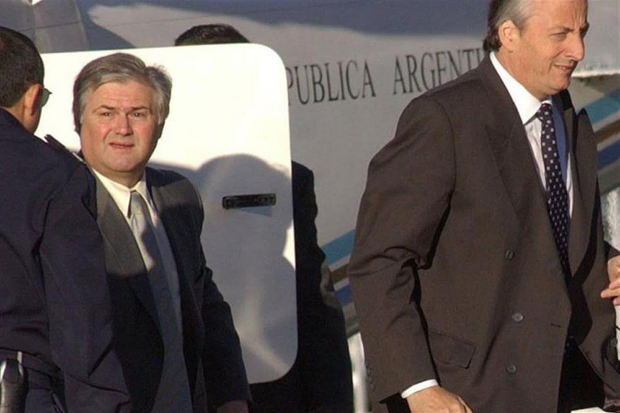 Clarens y Muñoz hicieron decenas de viajes a Uruguay en aviones del Banco Macro
