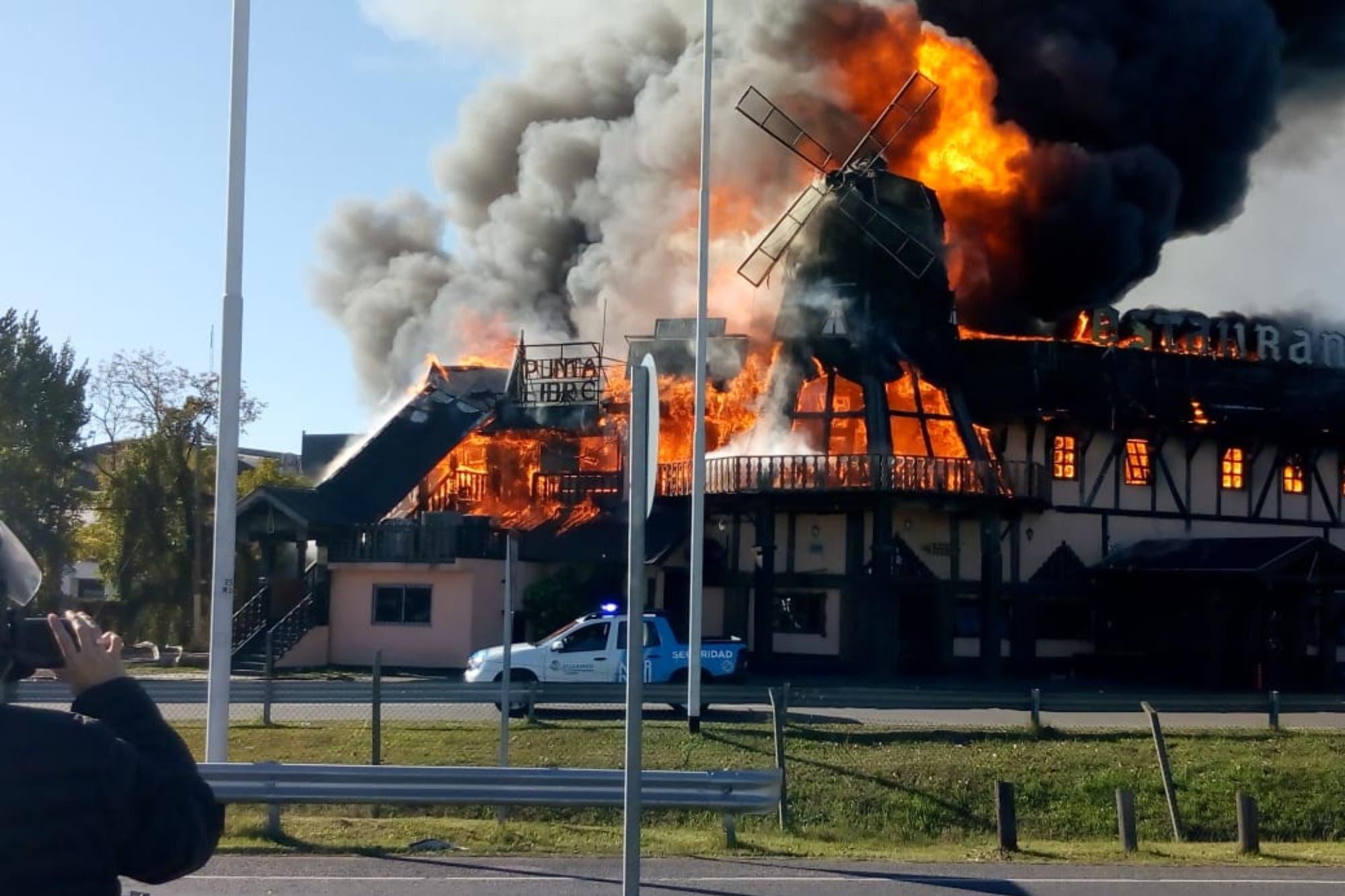 Ituzaingó: un gran incendio destruyó un conocido restaurante