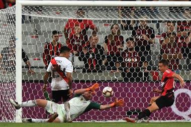 Ruben marca el 1 a 0 para Paranaense ante River