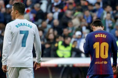 Cristiano Ronaldo y Lionel Messi, en un Real Madrid-Barcelona.
