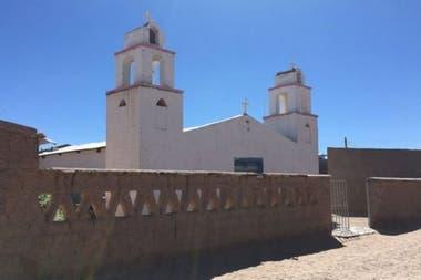 Este es el pueblo de Verónica, Santuario Tres Pozos, Salinas Grandes