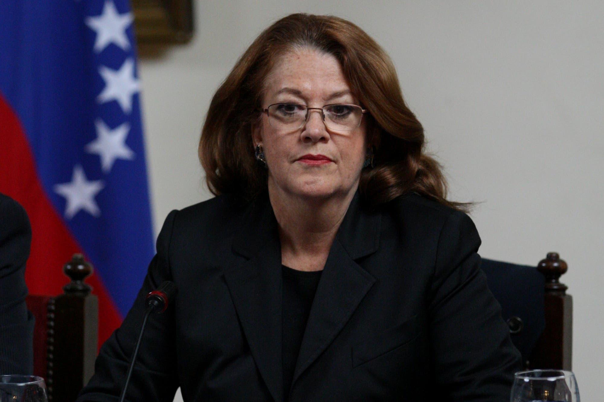 Insólito: Alicia Castro apuntó contra el vocero presidencial por no aplaudir a Cristina Kirchner en un acto
