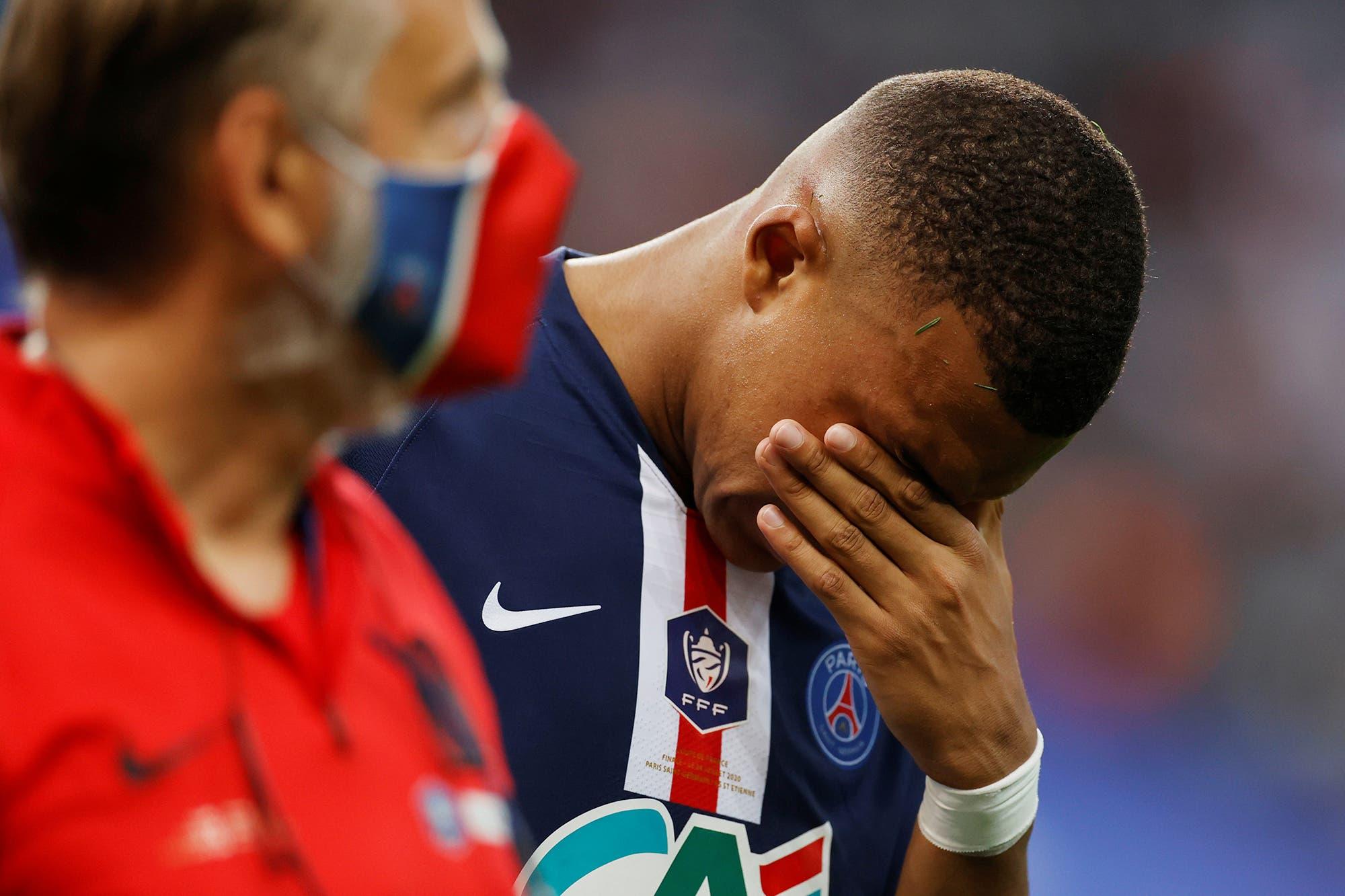 PSG. Se conoció la lesión de Kylian Mbappé y es duda para la Champions League