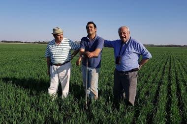 Jorge Ossana, productor e ingeniero agrónomo, Marco Ossana, productor e hijo de Jorge y Hernán Otamendi productor e ingeniero agrònomo