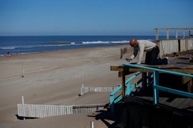 En Pinamar algunos paradores de playa ya piensan en ampliar sus decks para ofrecer servicios con distancia social