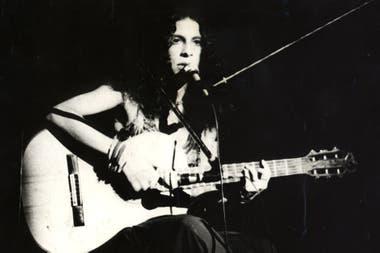 Gal Costa en 1971; en el 67 y de la mano de Caetano Veloso entró por primera vez a un estudio de grabación