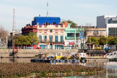 Sobre el río. La fachada de la Fundación Andreani, que el 28 de este mes abrirá sus puertas con la muestra de fotografías en la que Gian Paolo Minelli registra la remodelación del lugar