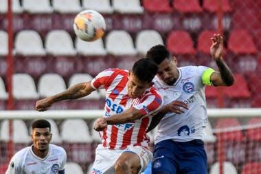 Unión dio todo, pero no pudo convertir en su estadio y la derrota por 1 a 0 de la ida frente a Bahía lo dejó eliminado de la Copa Sudamericana.