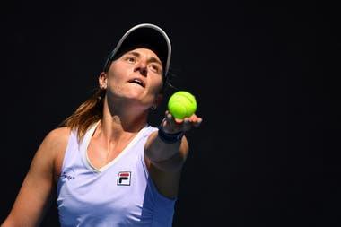 La argentina Nadia Podoroska se despidió, en el mismo día, en la competencia individual y de dobles en el Australian Open.