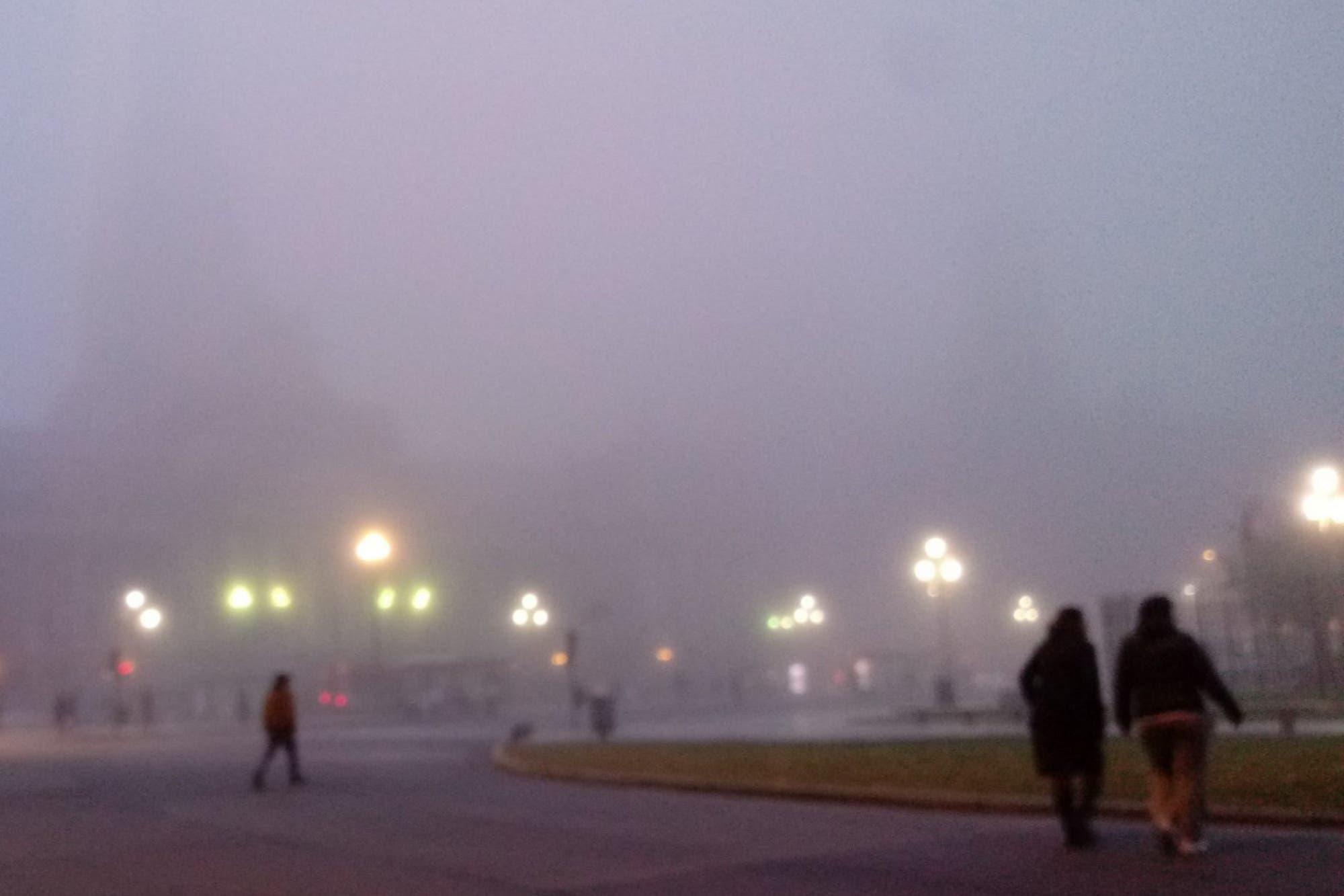 """Según un experto, """"no es una niebla común"""""""