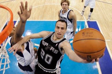 2010, Manu de visitante, ante Dallas Mavericks