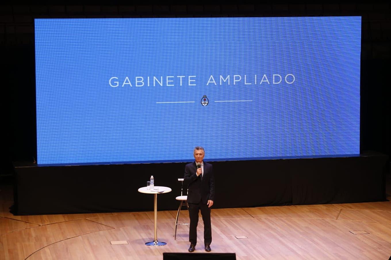 Con foco en la transición, Macri convocó a una reunión de gabinete ampliado