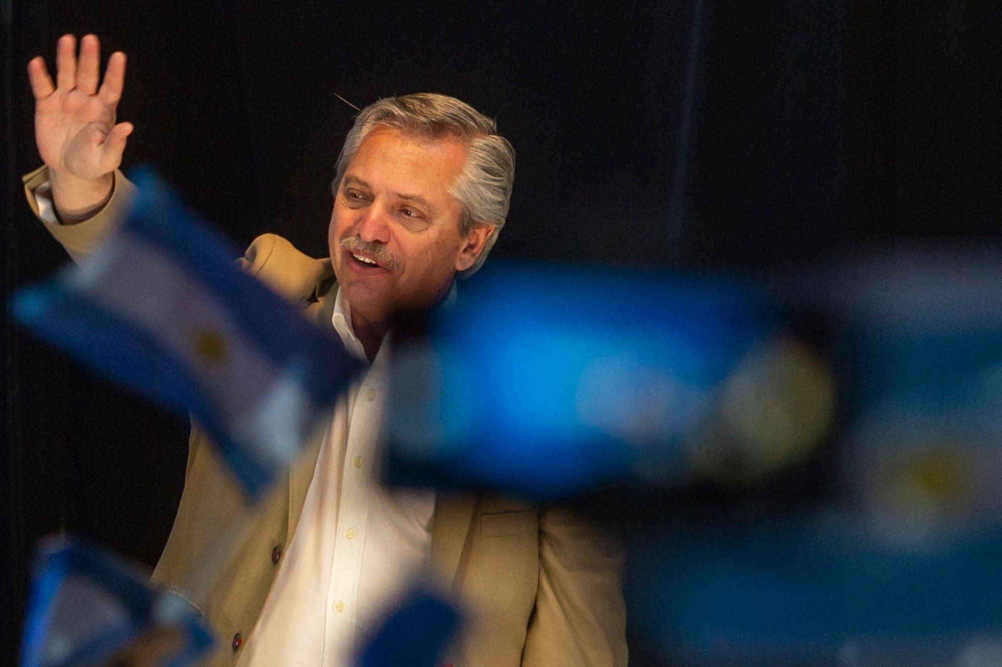 """Alberto Fernández, a Macri: """"Que no venga a decirnos que llegó la hora de comer"""""""
