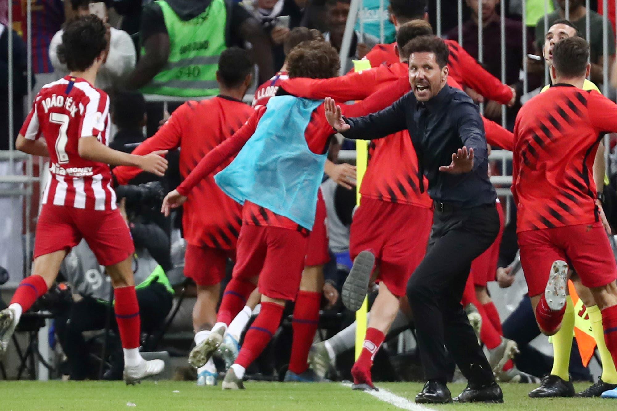 """Diego Simeone, orgulloso por """"la garra y el corazón"""" de su Atlético de Madrid: la curiosa foto del DT en el momento de mayor euforia"""