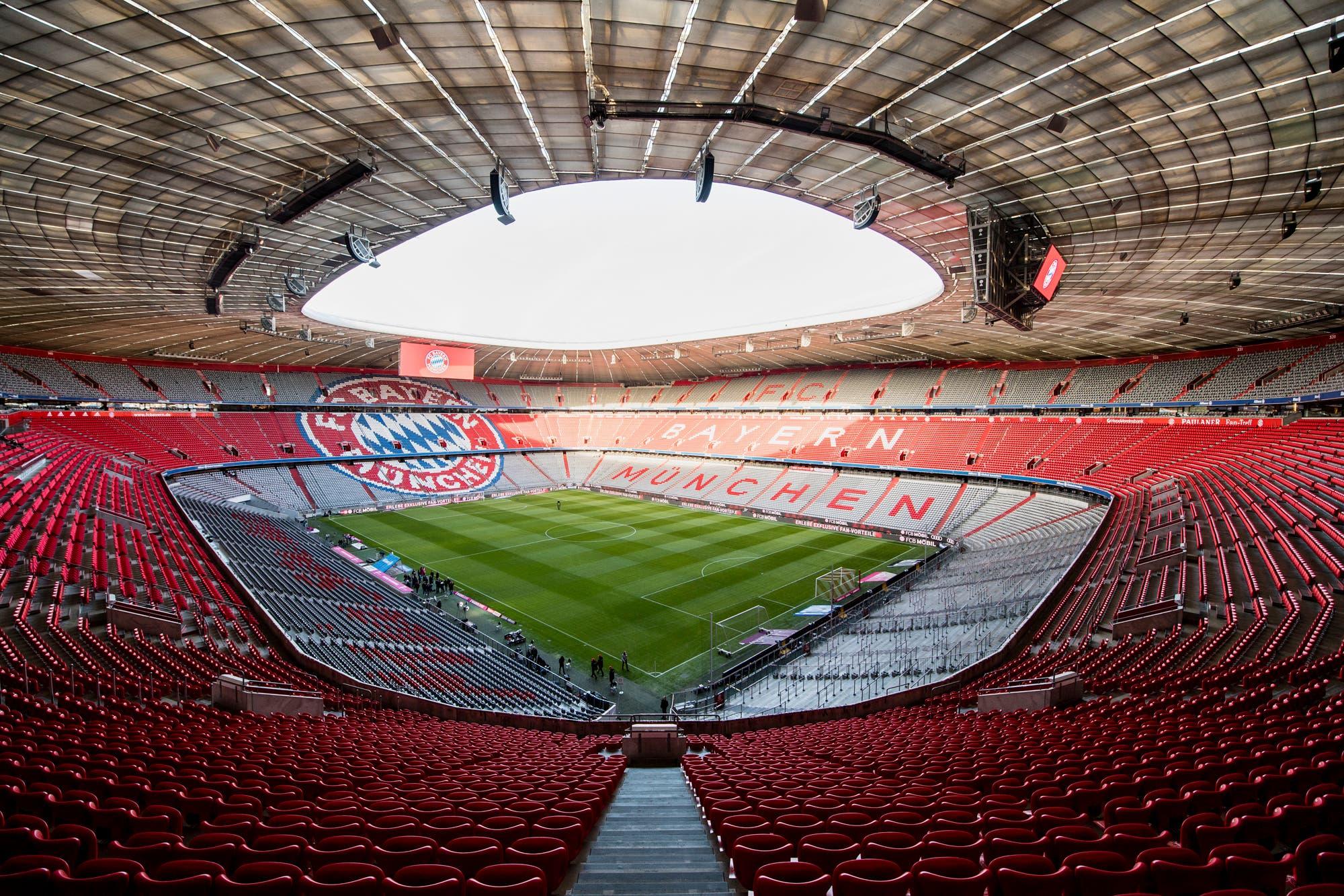 """Coronavirus: el fútbol alemán vuelve a rodar, un científico protesta y Rummenigge propone un """"fútbol racional"""""""
