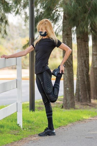 Acostumbrada a cuidar su cuerpo desde siempre, Karina sabe la importancia de elongar bien después de hacer ejercicio