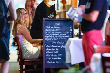 Jennifer y Cooke Maroney disfrutaron de una cena por las calles de Nueva York