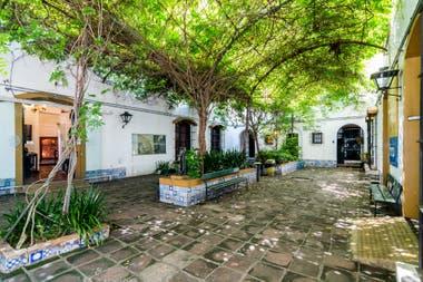 La Ciudad de Buenos Aires cuenta con varios museos con mucho verde; entre ellos el Histórico Saavedra