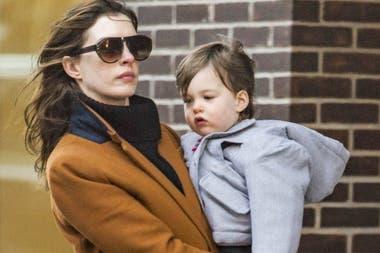 Anne Hathaway reveló el nombre de su segundo hijo... que está a punto de  cumplir un año - LA NACION