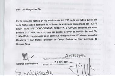 Notificación certificada por escribano en la cual se le informa a los socios de Las Margaritas SA la cesión de la tenencia accionaria a favor de Mirus SA