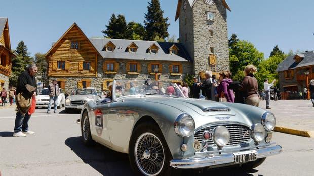 En Bariloche la tradicional carrera 1000 Millas Sport de autos antiguos