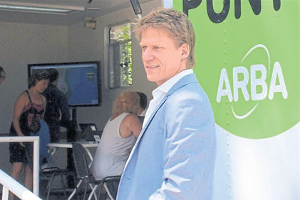 El defensor del pueblo provincial pidió informes a ARBA; las alzas no se trasladan plenamente al impuesto y tienen topes