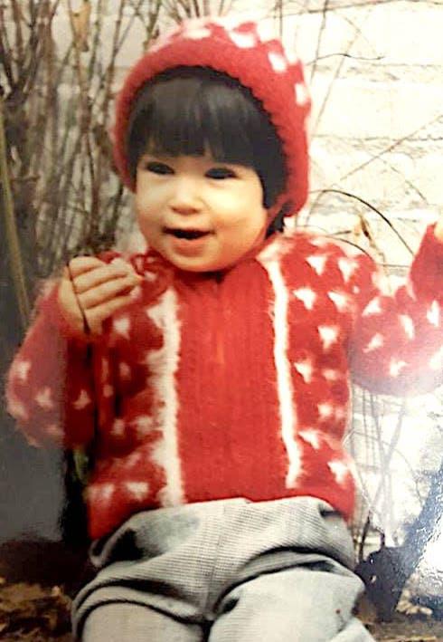 Etty en 1985, durante su infancia en Borough Park, Brooklyn.