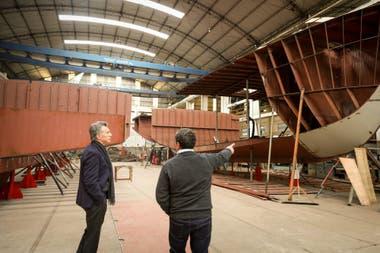 Macri visitó el Astillero Contessi, que tomó nuevos empleados